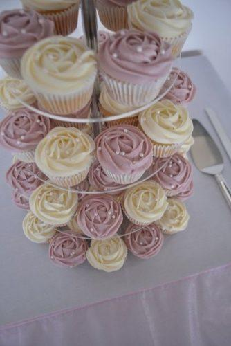 unique-wedding-cupcake-ideas-in-vintage-style-kate-jewell