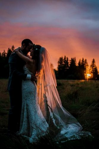 wedding entourage photo ideas bride and groom under the sky ryan flynn photography