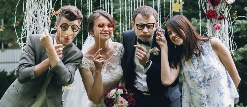 30 Creative Wedding Entourage Photo Ideas