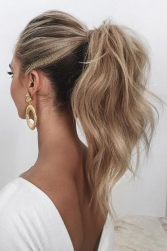 wedding hairstyles for curly hair simple high blonde ponytail saasha_burns