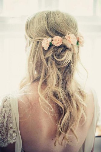 wedding hairstyles for thin hair half up half down with pink roses on wavy hair kari bellamy