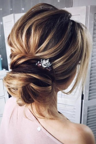 wedding hairstyles for thin hair low bun Tonya Pushkareva via Instagram