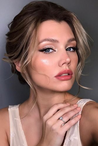 wedding makeup elegant with pink matte lips and black arrows alyona_beauty_muah