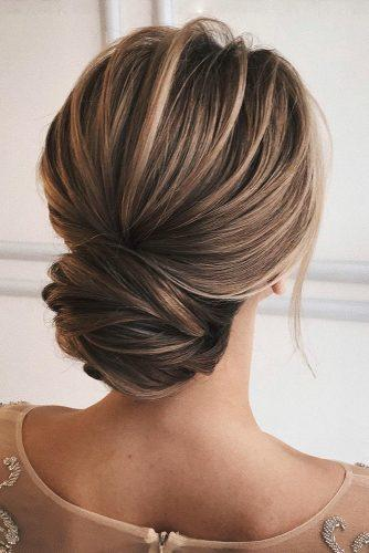 wedding updos for medium hair elegant textured low chignon sasha_esenina