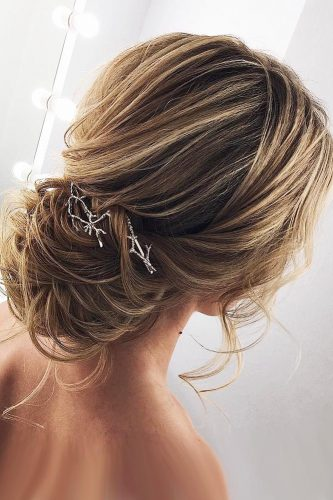 wedding updos for short hair light curls low bun my wedmakeup