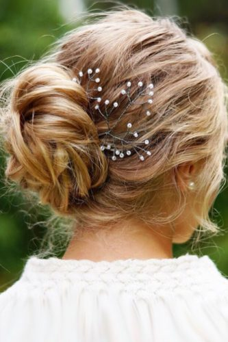 wedding updos for short hair small bun with pearls beyondtheponytail