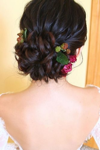 wedding updos for short hair updo with flowers and berries christinechiamakeup