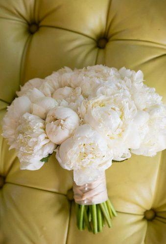 white wedding bouquets inspiration delicate wedding bouquet hitchedevents