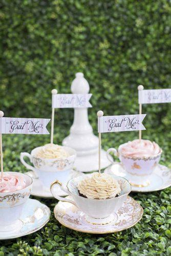 disney wedding alice in wonderland cupcakes 5ivefifteen photo company