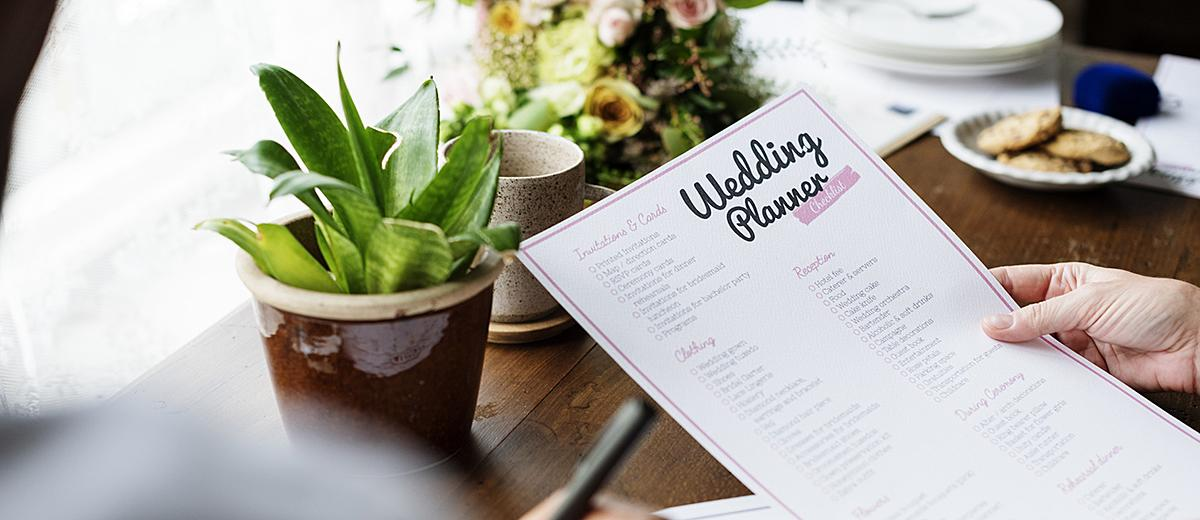 how to plan a wedding planner checklist featured