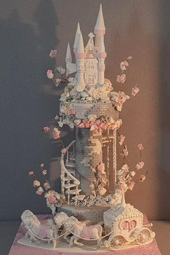 unique wedding cakes tall fairytale castle shaped yenersway