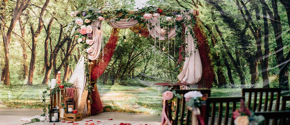 wedding altar decoration featured