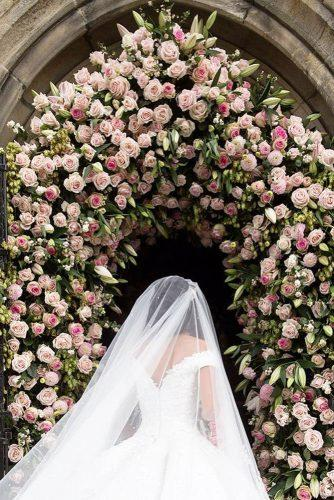 wedding arch decoration ideas withgentle pastel roses lesleymeredithphotography