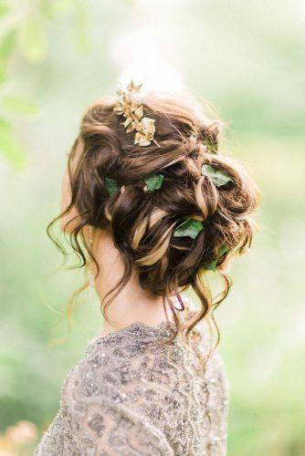 wedding hairstyles for medium hair messy updo with green leaves san shawe via instagram