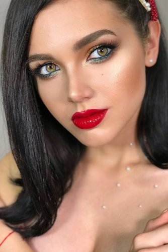 wedding makeup for brunettes colorful shimmer eyeshadows for green eyes with red lips zolotashkomakeup