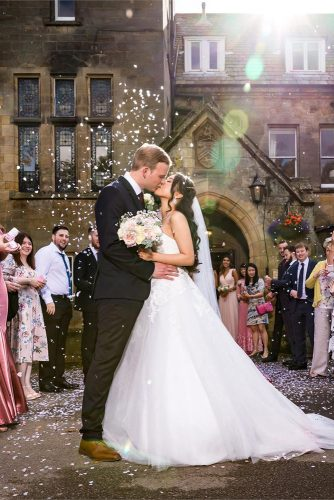 wedding photos bride and groom kiss Simon Hogben Photography