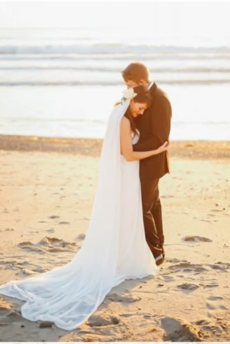 wedding photos bride and groom neat the sea gideonphoto