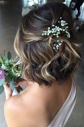 wedding updos for short hair half up half down with baby breath curriehair via instagram