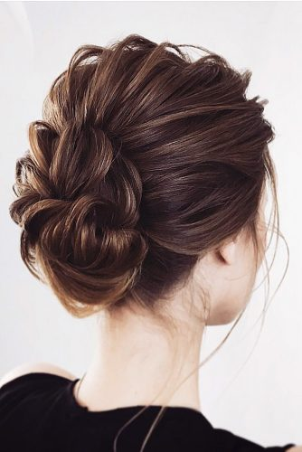 wedding updos for short hair small textured bun lena bogucharskaya via instagram