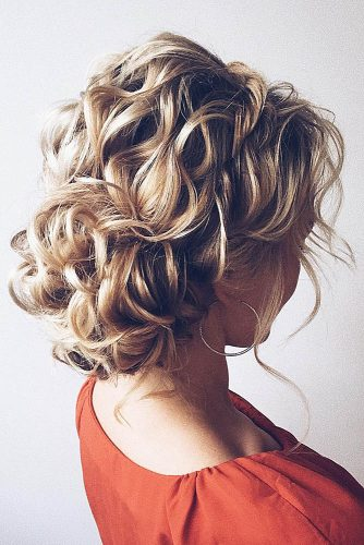 wedding updos for short hair volume curly low bun lena bogucharskaya via instagram