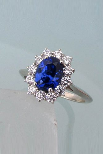 Precision cut sapphires and gemstones by Rogerio Graca Diamond Cluster Sapphire Ring