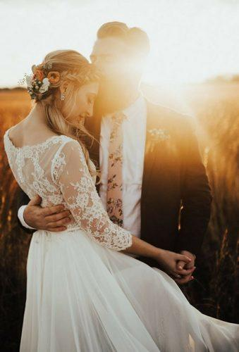 fall wedding photos couple at sunset sincerelykinsey