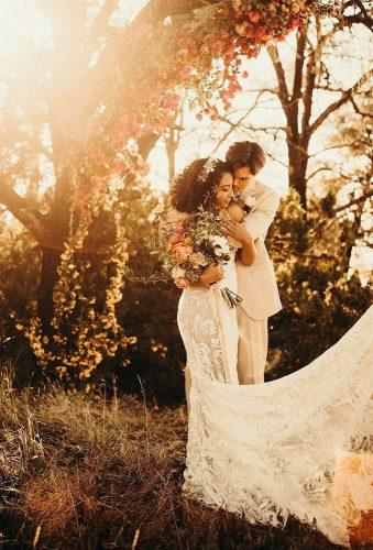fall wedding photos romantic couple oliviamarkle