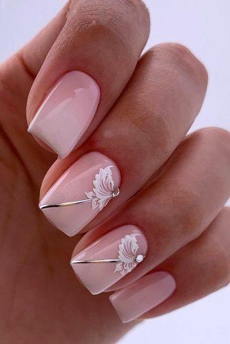 nail design gentle elegant pink with white flowers silver stripes lyasha_nevskaya