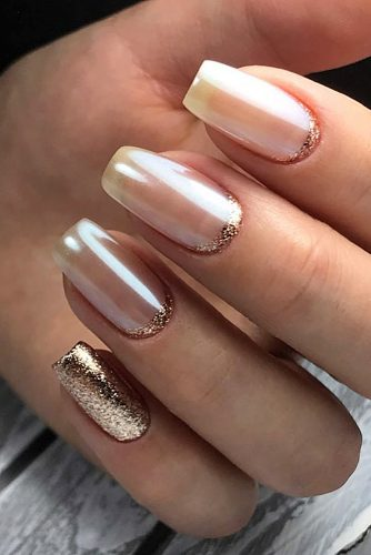 nail design pearls with gold tatyana_kor via instagram