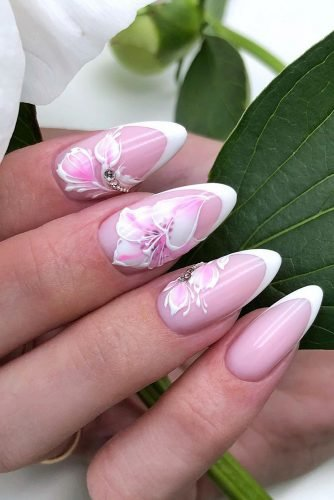 nail design pink french with white flowers nail_profi_studio
