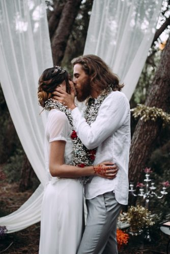 the bride and groom kiss lorena erre photography