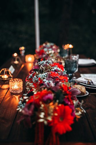 wedding table décor with flowers and candles lorena erre photography