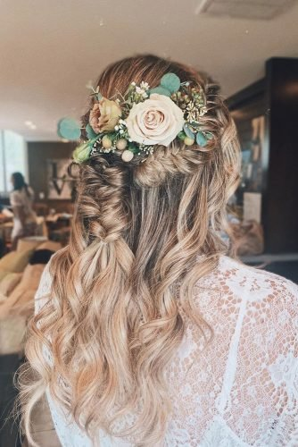 rustic wedding hairstyles half up half down with curls and braids flowers roses in hair babehairbyb