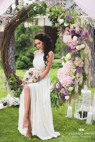wedding flower wreath bride alone inside the swing wreath svadebnaja imperija