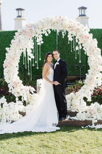 wedding flower wreath pure-white decor blush botanicals