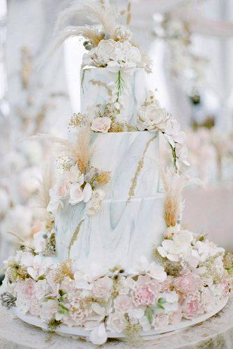 wedding ideas cake bohemian pampas grass pink flowers marble pattern jonihobiholiday