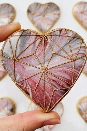 wedding ideas cake cookies with marble pattern and gold geometry cupcakeproject