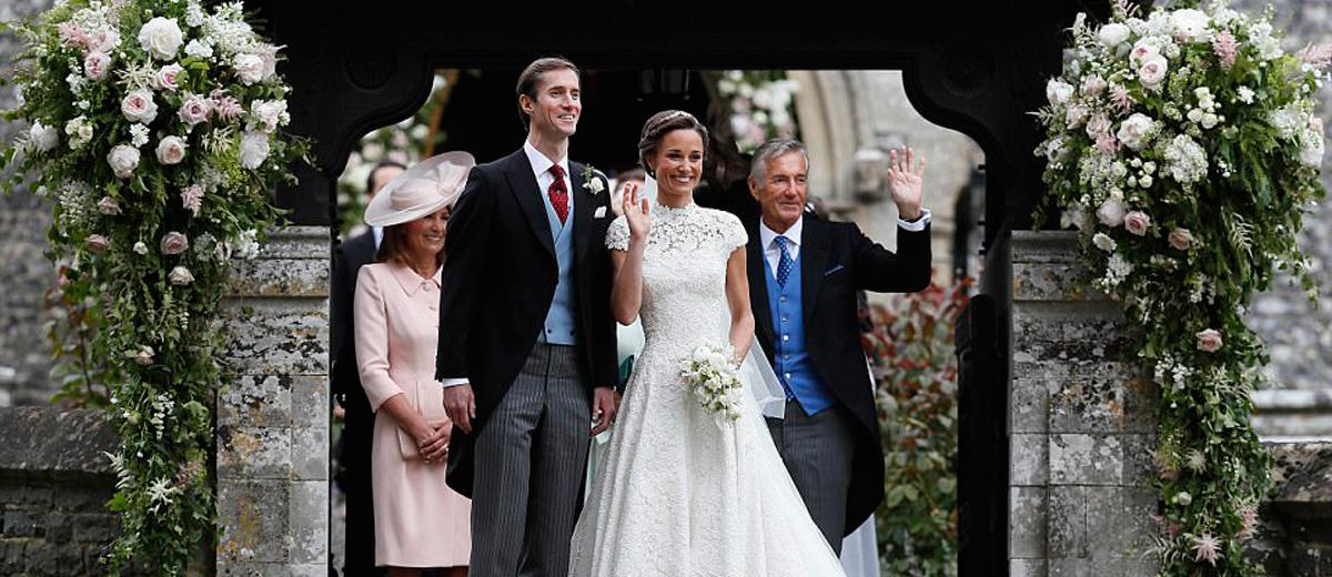 10 celebrity wedding dresses and its 39 s clones page 5 of for Giles deacon wedding dresses