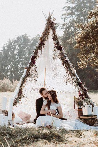 bohemian wedding theme groom and bride undes boho chic wedding teepee andreasnusch via instagram