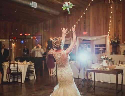 bouquet toss songs bride wedding tradition
