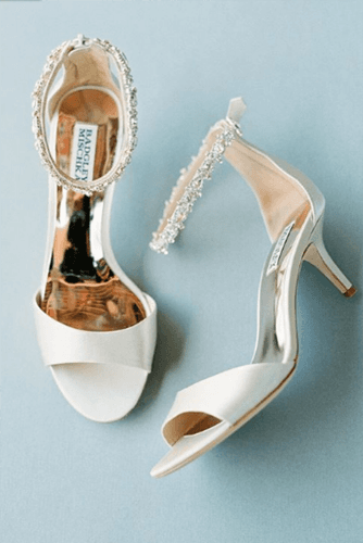 gorgeous bridal shoes simple low heels beaded badgley mischka