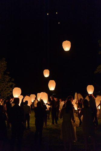 sky lanterns cuests with sky lanterns hunterphotographic