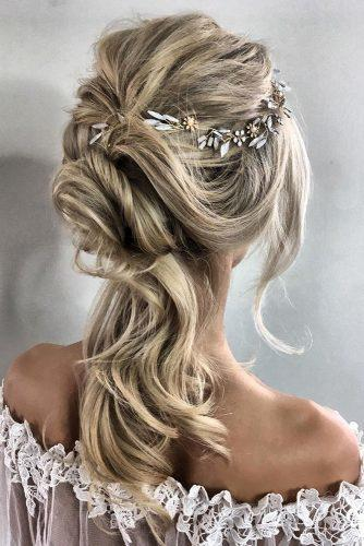 classical wedding hairstyles messy downdo sabrina dijkman via instagram