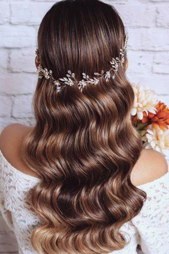 classical wedding hairstyles wavy lond hair down with halo hairspray_studio