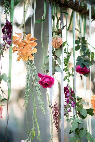 2019 wedding trends suspended roses and autumn flowers leah dorr photography