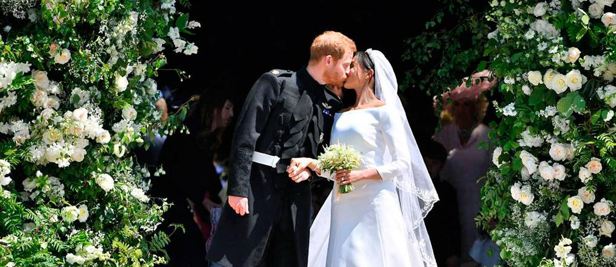 meghan markle wedding dresses featured
