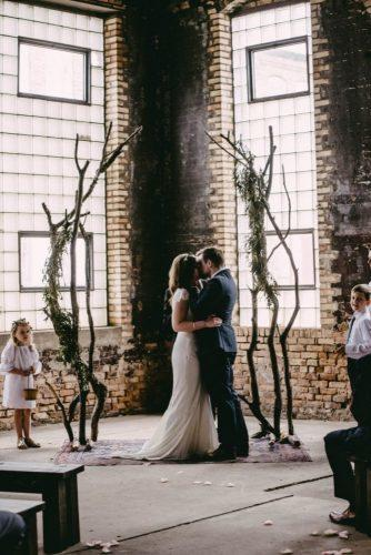 wedding-loft-decor-brick-walls-amanda-marie-studio