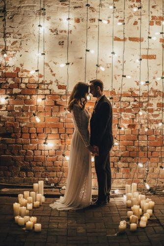 wedding-loft-decor-brick-walls-with-the-lights-izo-photography