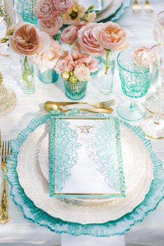 tiffany blue wedding decorations place setting with glass and pink flowers photography by anna marie