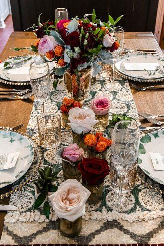 arabic wedding tablerunner flower centerpieces bouquet in vase and lonely flowers in small vases madi photograph